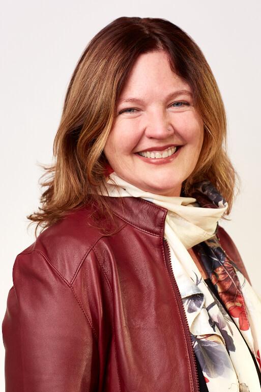 Elizabeth Bond copywriter